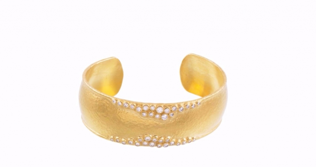Cuff in 22k gold by Gurhan