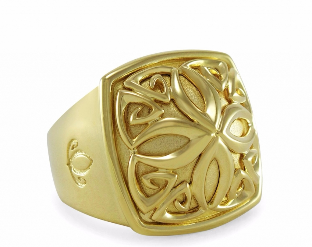 Insignia Luxe ring in 18k gold vermeil, $550; Realm