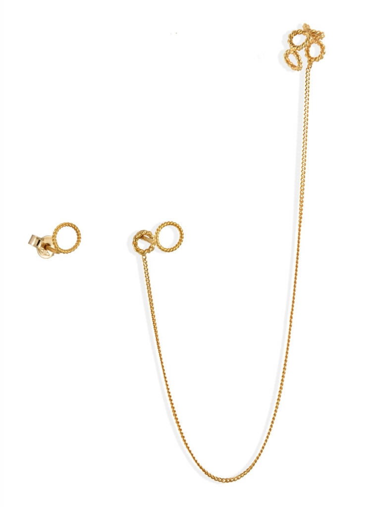 Chain ear cuff in 18k yellow gold, €330; Christina Soubli