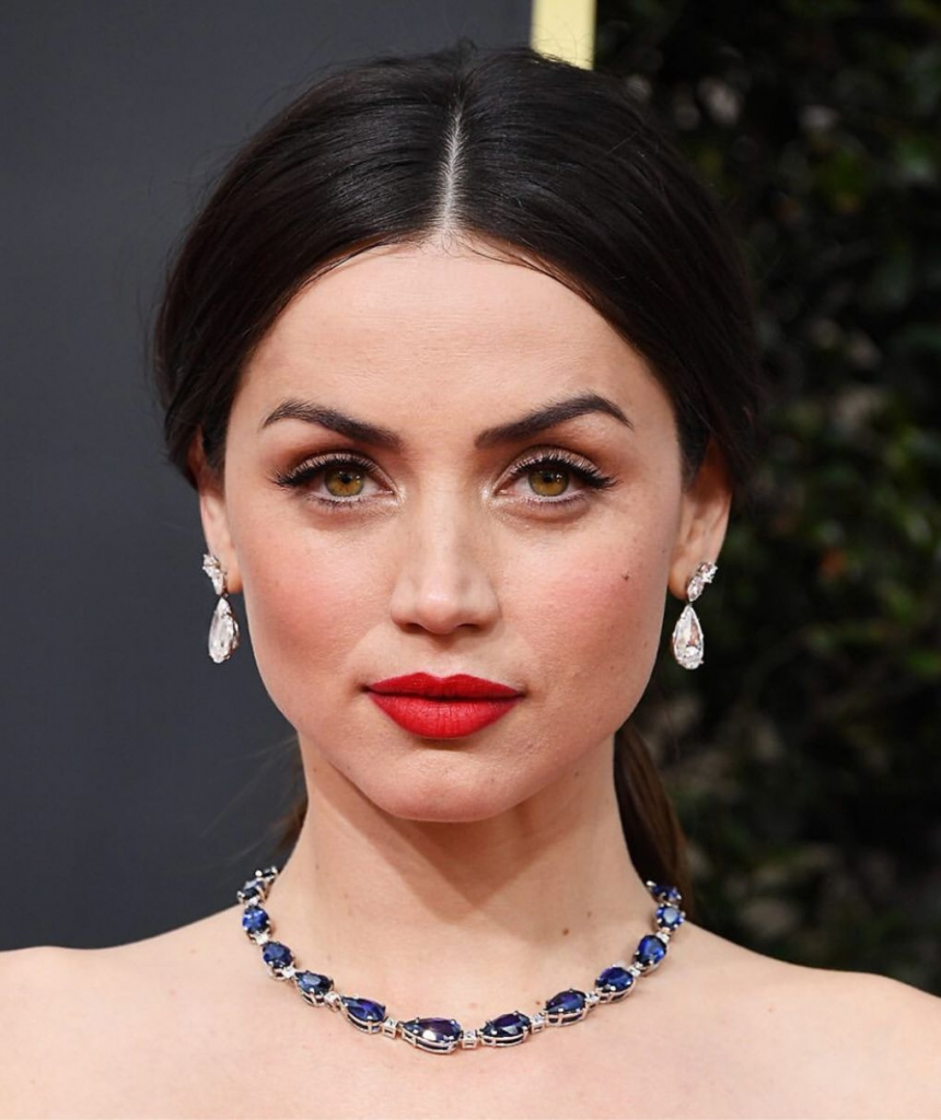 "Ana de Armas, presenter and nominee for Best Performance by an Actress in a Motion Picture Musical or Comedy for ""Knives Out,"" in a sapphire and diamond necklace from the Blue Book collection of Tiffany & Co. Photo: @tiffanyandco"