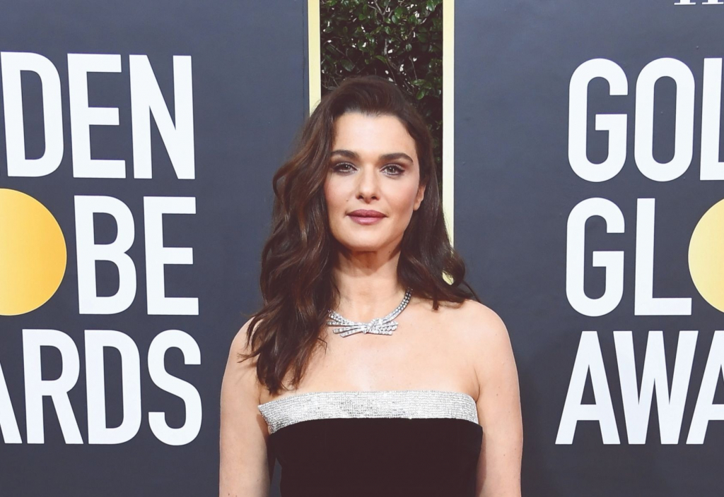 Presenter Rachel Weisz in a Fifth Avenue Crossover Diamond necklace by Harry Winston.  Photo: Harry Winston/Steve Granitz/Getty Contributor