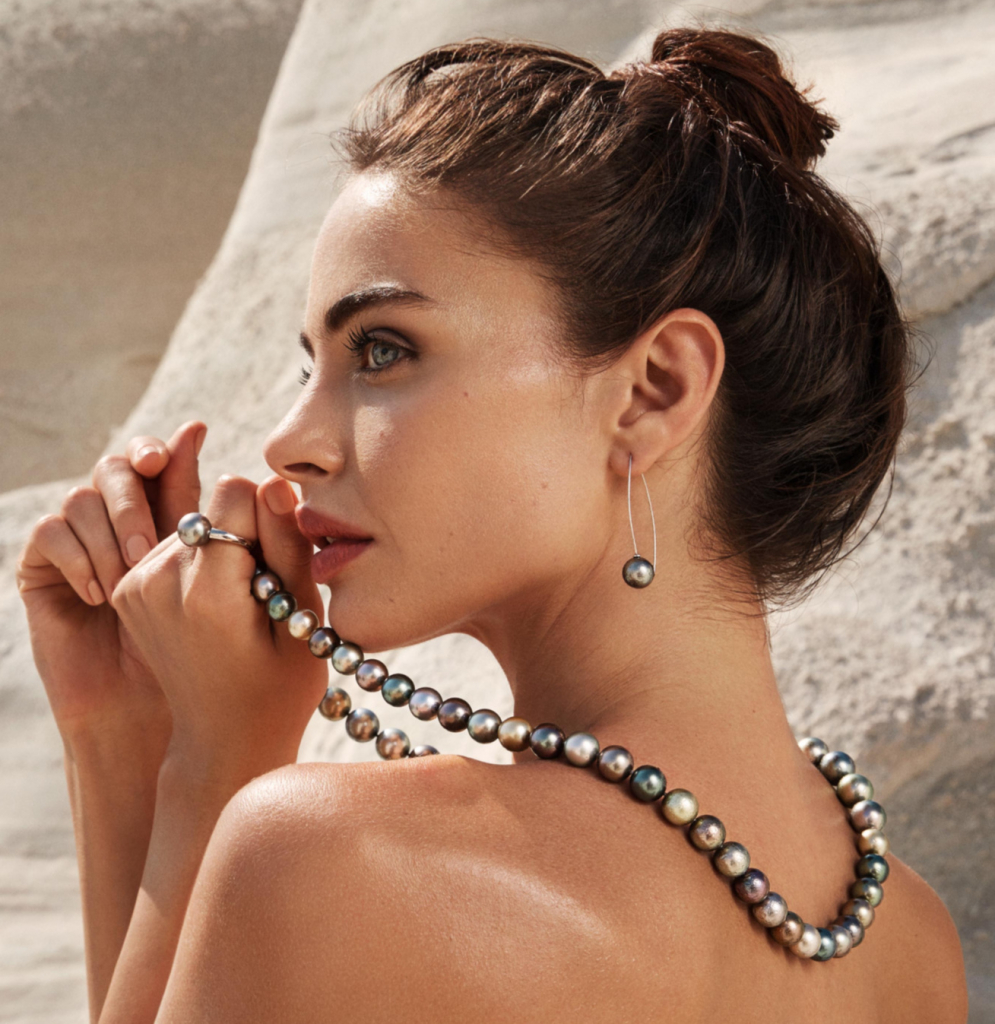 Marutea pearls from Gellner and Robert Wan are exotic hues with metallic colors grown in Wan's Marutea Sud island in the Tuamotu archipelago of French Polynesia.