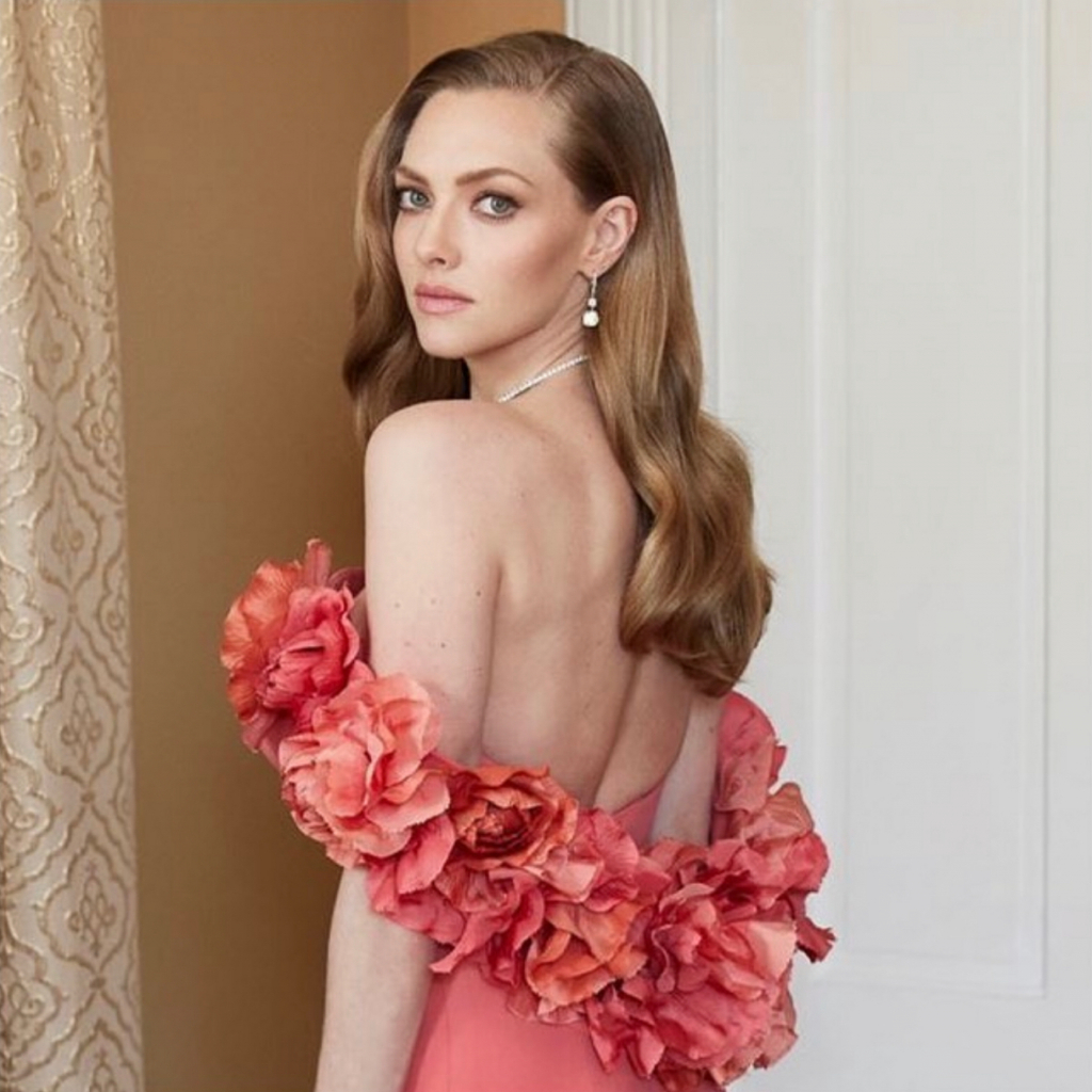 """Amanda Seyfried in Forevermark. Seyfried was a presenter and a nominee for Best Supporting Actress – Motion Picture, for her role in """"Mank."""" Source: @forevermark"""
